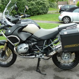 GOLD OR SILVER ALLOY PANNIER R1200GSA STICKERS-0