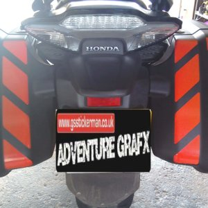 CTX1300 REFLECTIVE PANNIER SAFETY CHEVRONS-0