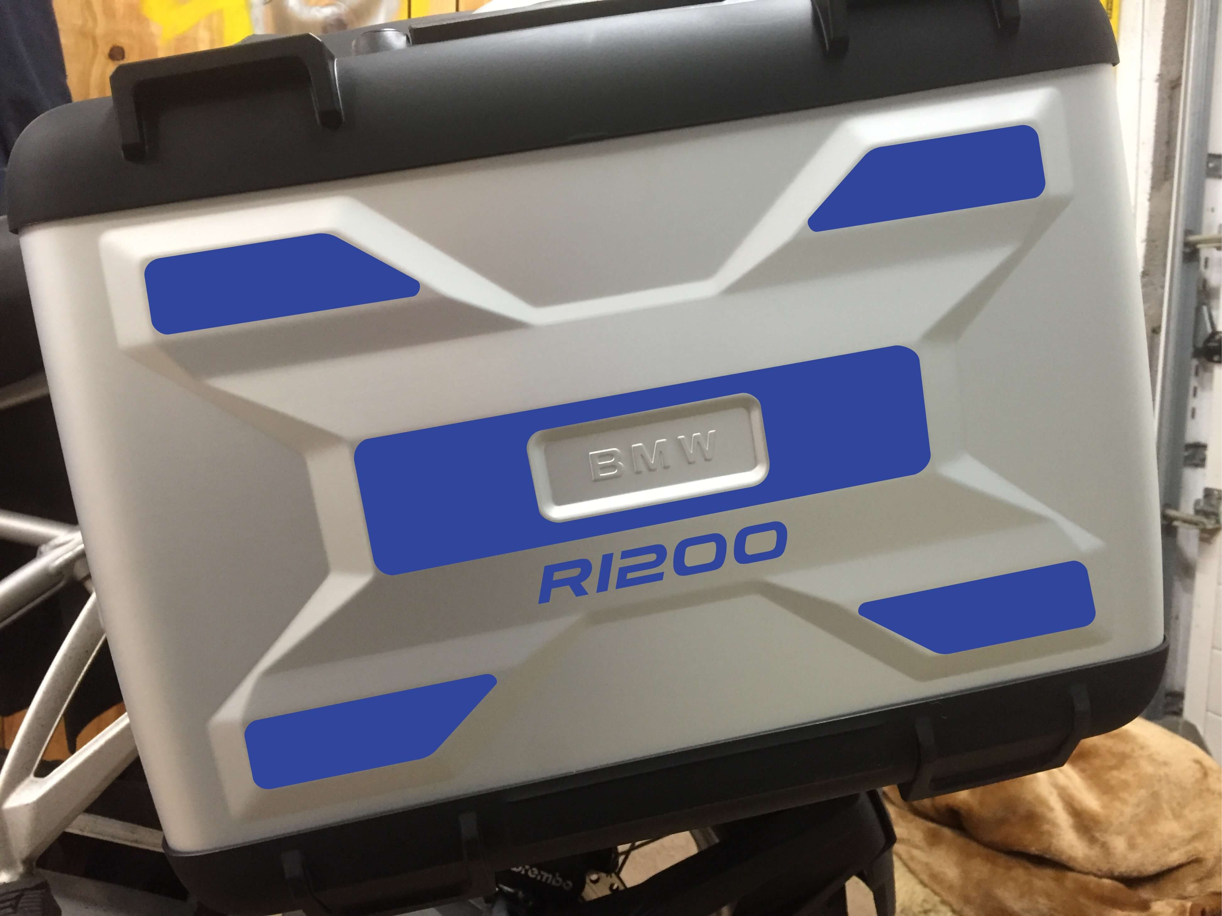 A PAIR OF LIQUID COOLED REFLECTIVE VARIO PANNIER SIDE PANNEL-232