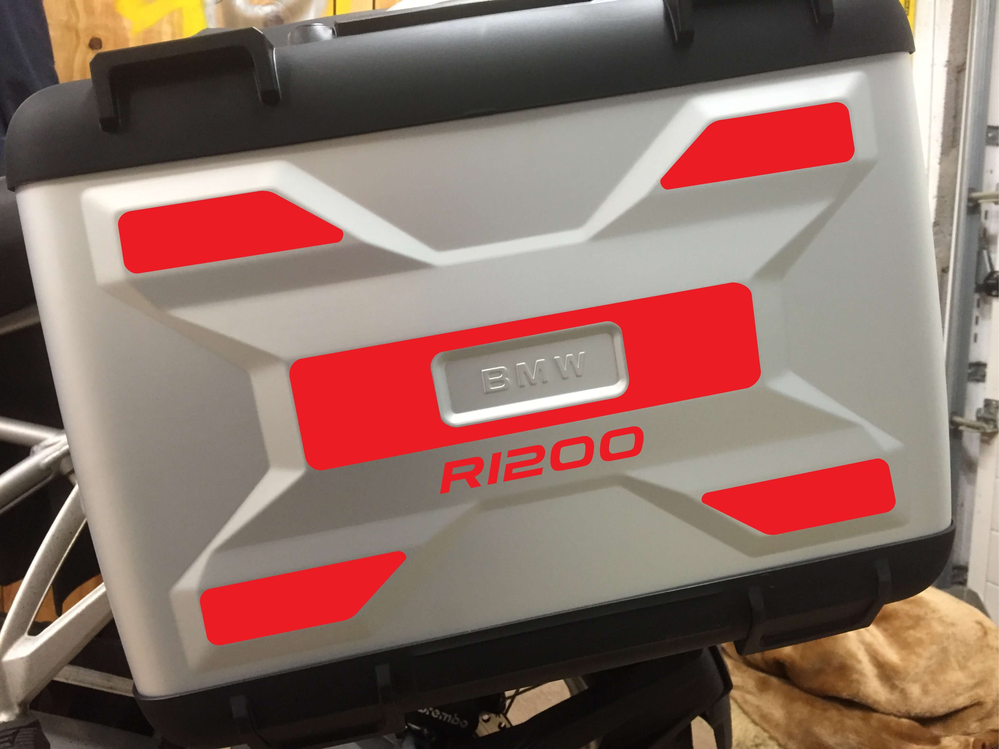 A PAIR OF LIQUID COOLED REFLECTIVE VARIO PANNIER SIDE PANNEL-234