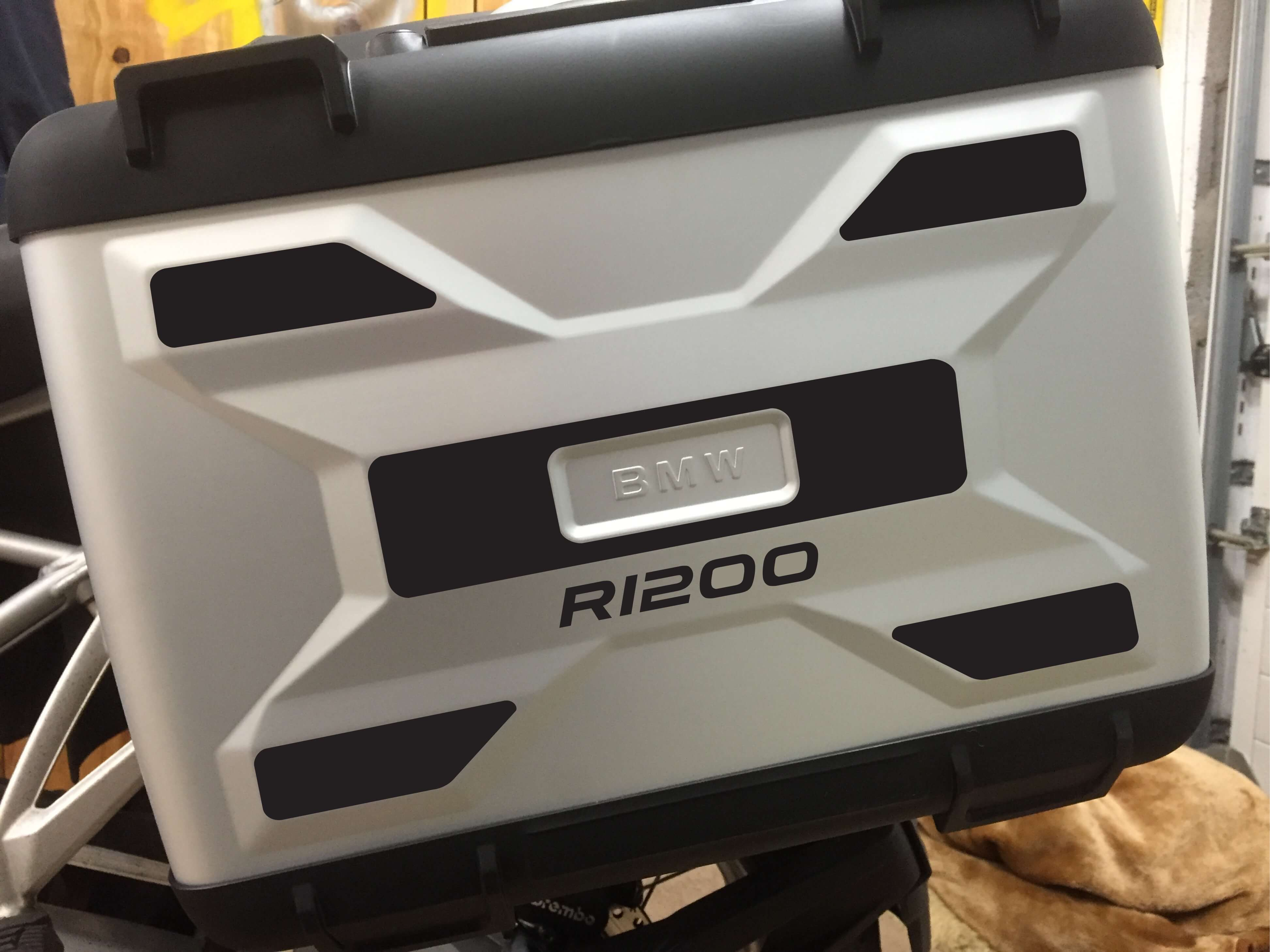 A PAIR OF LIQUID COOLED REFLECTIVE VARIO PANNIER SIDE PANNEL-0