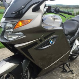 REFLECTIVE & NON REFLECTIVE K1300GT FAIRING AND PANNIER KIT-0